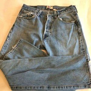 Levi's Button Straight Leg  Boyfriend Jeans 32X32